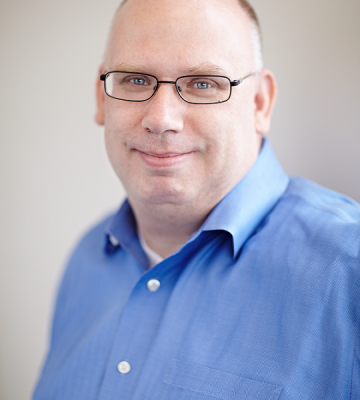 A headshot of Darrell Cavens, the CEO of zulily